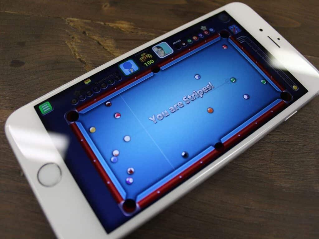 8 ball pool su smartphone
